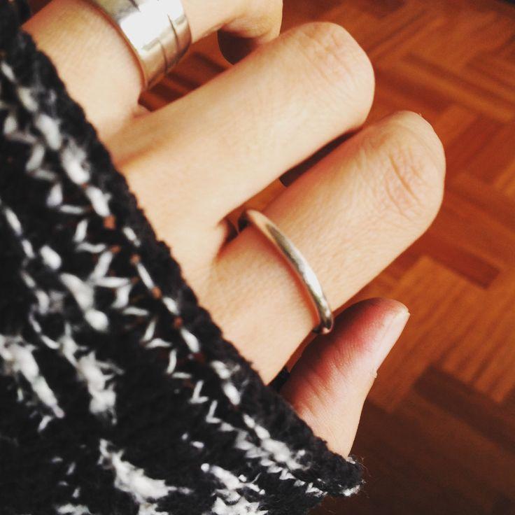 Anillo argolla anillo alianza anillo apilable anillo hilo anillo simple de NatiArajaJoyas en Etsy