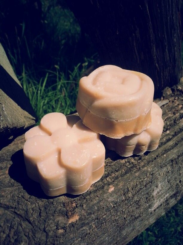 Sheabutter-cocabutter soap with coconut milk