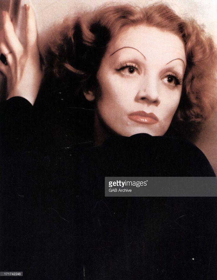Marlene Dietrich in 1935, by Anton Bruehl. [ Retouched ]