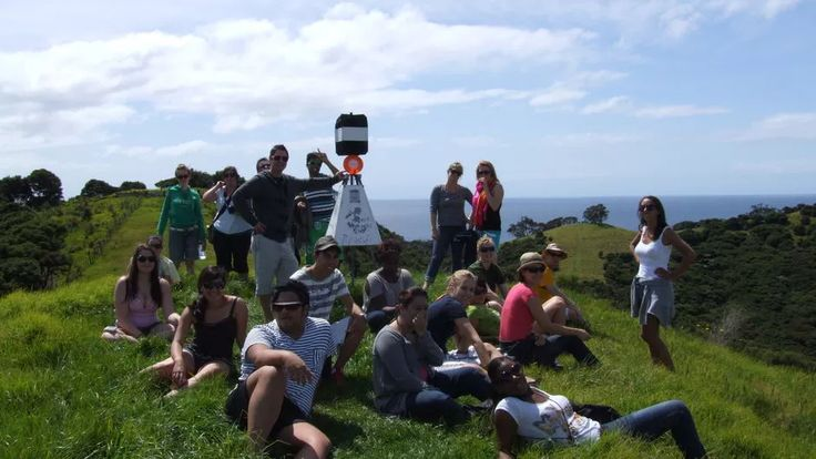 Group of Working Holiday Maker on a trip on the North Island.