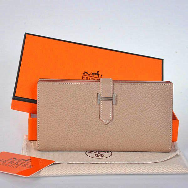 Hermes 2 flod Original Lederbrieftasche in Hellgrau Online-Verkauf sparen Sie bis zu 70% Rabatt, einfach einkaufen des weiteren versandkostenfrei.#handbags #design #totebag #fashionbag #shoppingbag #womenbag #womensfashion #luxurydesign #luxurybag #luxurylifestyle #handbagsale #hermes #hermesbag #hermesparis
