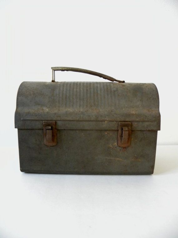 I would so use this Industrial Lunch box for some of my craft supplies!