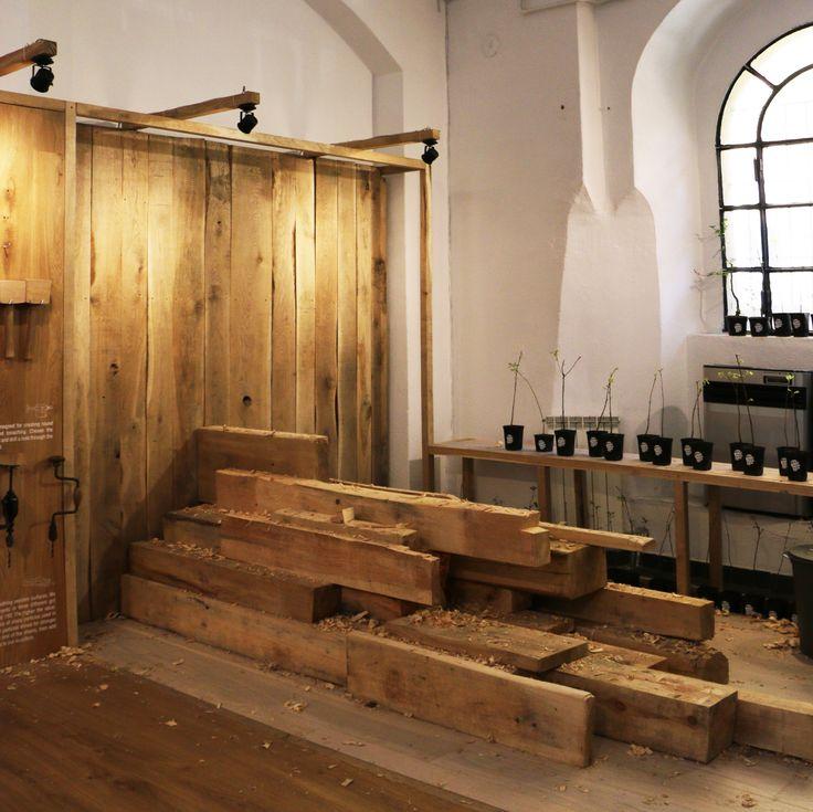 Falegnameria dei Sensi - Sensorial Carpentry. Toccare, guardare, annusare: i brand Barlinek, Tabanda e Design Alive mettono in scena una mostra interattiva magica durante il Fuorisalone 2016 a Milano. Tutti i visitatori possono immergersi in un'atmosfera inusuale, come se fossero boscaioli. #Fuorisalone #fuorisalone2016 #milano #milan #milandesignweek #designweek #design #space #wood #material #nature #exhibition #salonedelmobile #salonedelmobile2016 #barlinek #tabanda #designalive