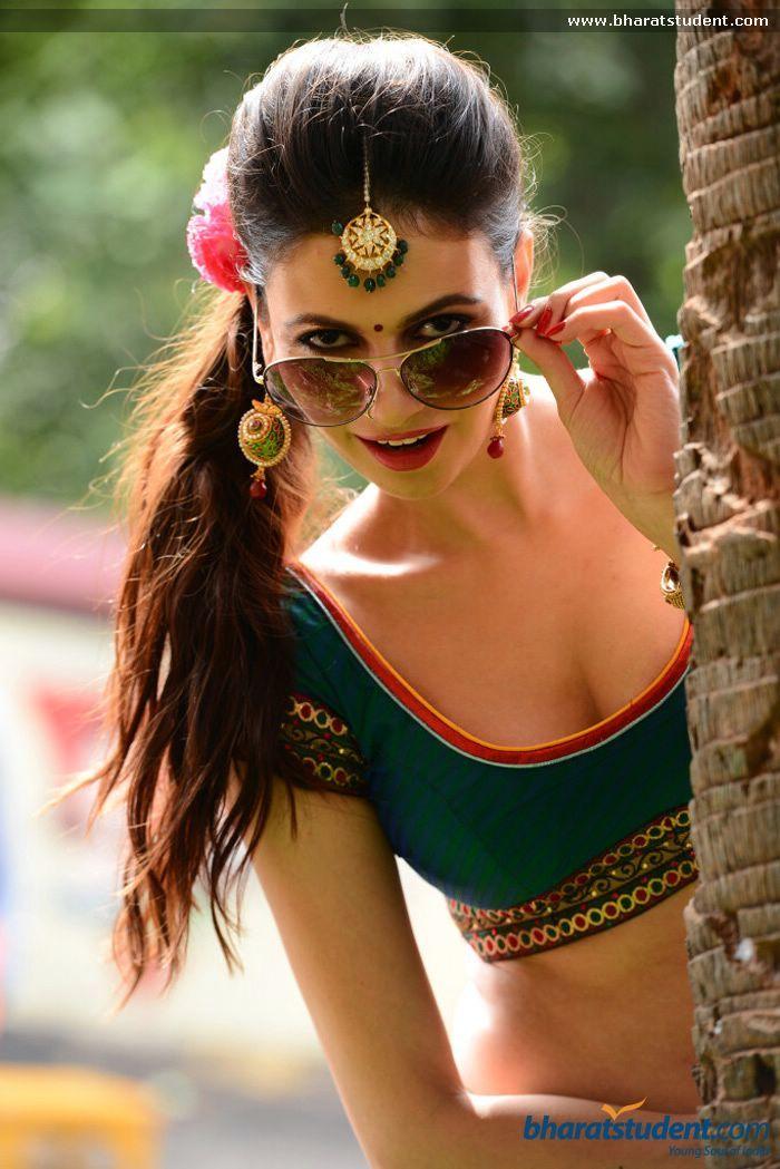 Hindi Actress Simran Kaur Photo gallery
