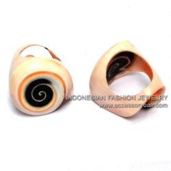 ring shellfish natural colors
