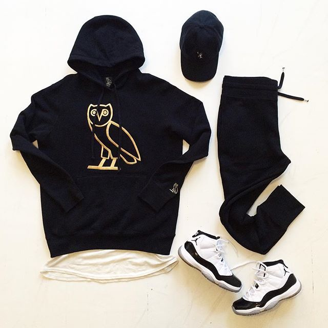 Outfit grid - Black hoodie & joggers