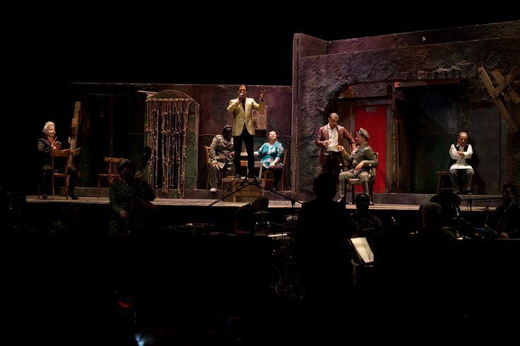 """Foto: """"Carmen"""" - Teatro Stabile Torino, regia Mario Martone, scene Sergio Tramonti (2015)"""