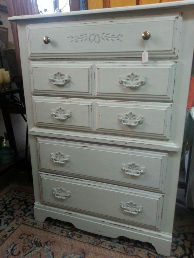 Broyhill 5-Drawer Chest Dresser Bedroom Bureau in Shabby White ChicWood Finish #Broyhill