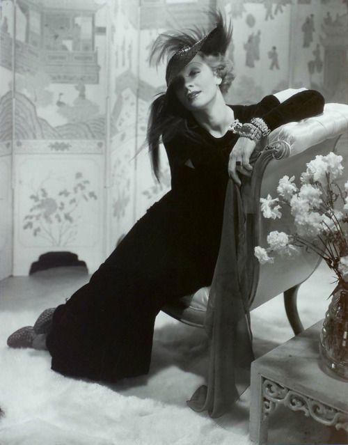 Марлен Дитрих, Нью-Йорк, 1932 (в студии) напечатано 1984-85 Художник Эдвард Штайхен, Принтер Джорджа Тайса