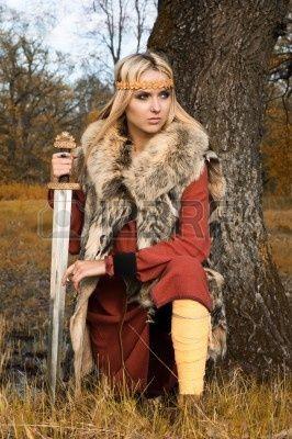 девушка викинг
