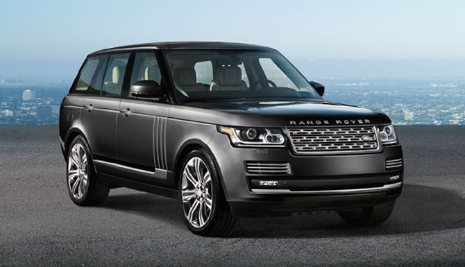 The luxurious design of the Range Rover Autobiography Black.