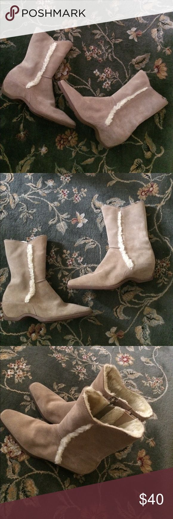 """Hush Puppies """" cocoa """" boots NWOT! Hush Puppies brand """" cocoa """" genuine suede boots.color/ cream . Size- 7 . Zip up closure. Rubber soles. Faux fur shearling. Small wedge heels. Made in Brazil. Adorable!! Hush Puppies Shoes Ankle Boots & Booties"""