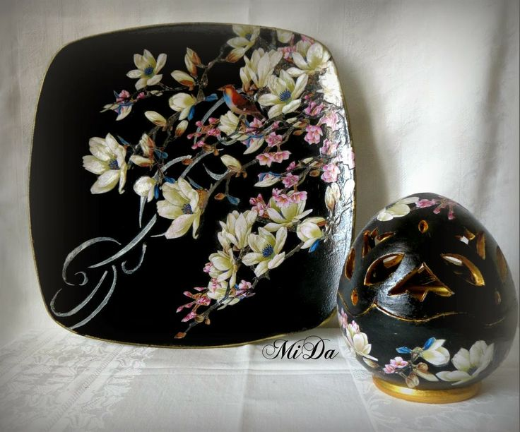 Dark egg pottery