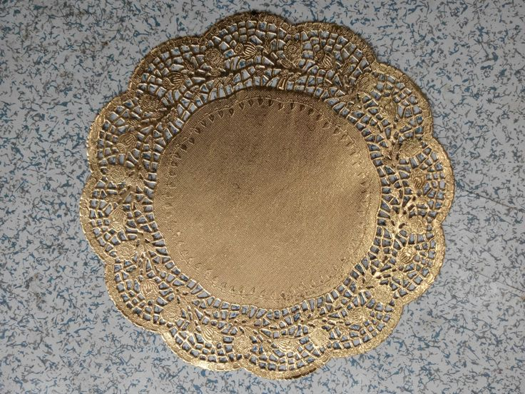 "Cheap paper ceiling decoration, Buy Quality decorative paper invitations directly from China paper Suppliers: 	150 Pcs 12""=30cm Gold Round Lace Paper Doilies / Doyleys,Vintage&nbsp"