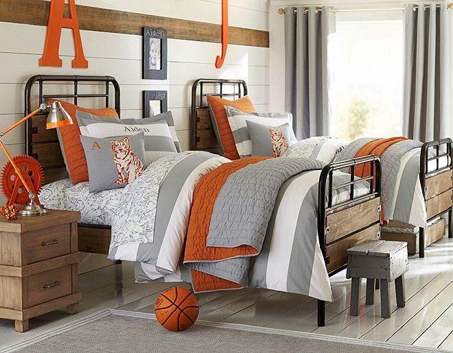 déco chambre enfant au charme rétro - cadre de lit en fer et en bois, table de chevet en bois et literie en gris et orange