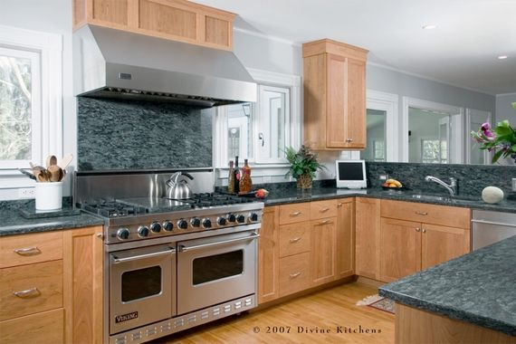 American Classic    Granite backsplashes often are paired with granite countertops for a seamless look. The appeal of granite is universal, and it blends with any kitchen decor. Pre-finished granite backsplash pieces reduce the need for yearly upkeep.