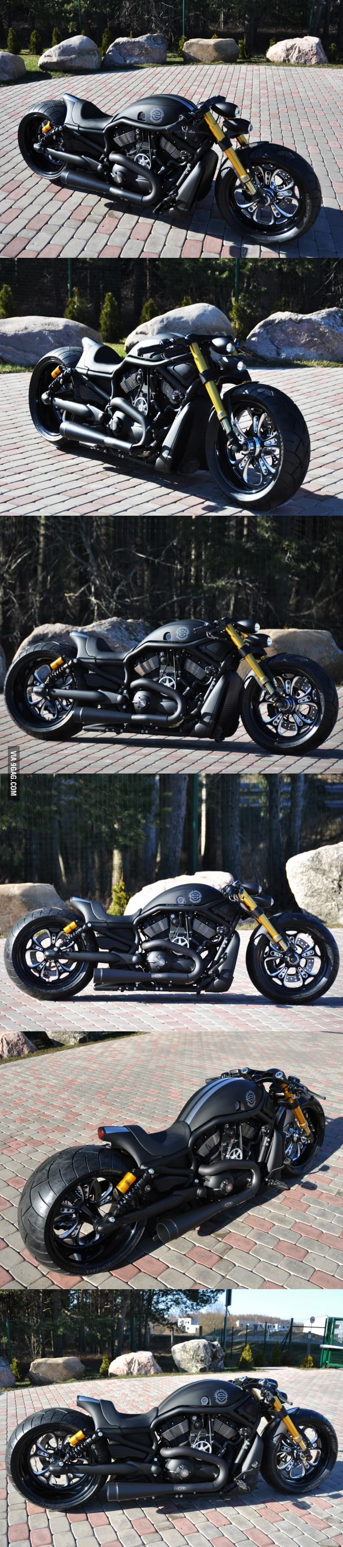Custom Harley Davidson V Rod. Want. Need. Must have.