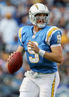 Drew Brees #9, formerly of the San Diego Chargers drops ...yep, Chargers screwed up letting him go LOL