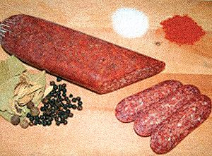 Lukanka is a type of sausage. Consumed raw and dried. The exterior is evenly covered with white nobley mold whereas the inside, the dry sausage has a characteristic mosaic structure. These raditional sausages made from a mixture of pork and beef and spices (black pepper, cumin, salt), and stuffed into beef rounds. After preparation it's left in a closed, well-ventilated room to dry. In the drying process it's compressed in order to obtain the characteristic flattened shape.