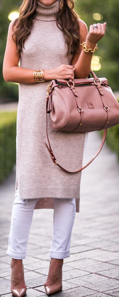 Carrie Bradshaw Lied Blush Turtleneck Dress Fall Street Style Inspo