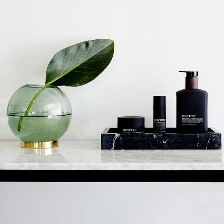 Our marble trays in blackgreen and Carrara marble stocked up ready for last minute Xmas presents! We are open right up until Christmas Eve. #urbancouturedesigns #homedecor