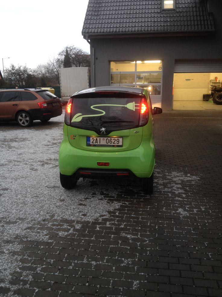 Peugeot: zadní část auta