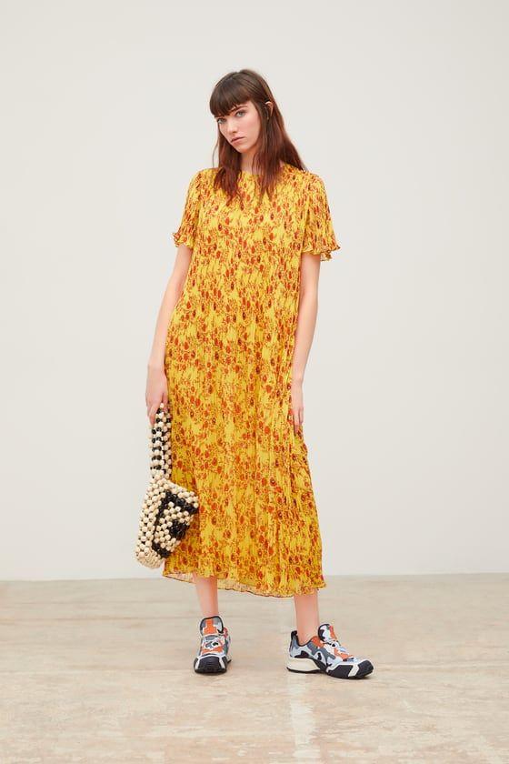 b832678d98b4 Pleated floral print dresss in 2019