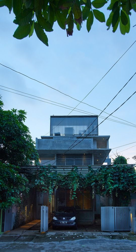 Gallery of House in Jakarta / RAW Architecture - 4