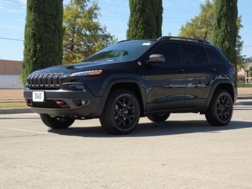 2016-Jeep-Cherokee-Trailhawk