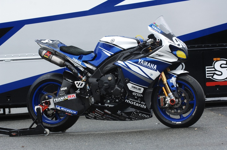 Yamaha YZF-R1 Team GMT94 2013