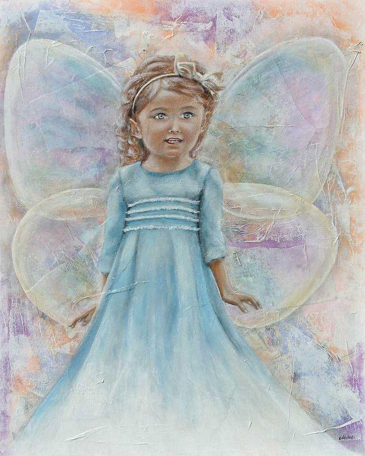 Ogni volta che una lacrima scende dal volto di un bambino, che ha subito violenza, nasce una Fata. La piccola creatura magica entra nella fantasia di quel bimbo e colma la sua tristezza riempiendogli l'anima d'Amore. Le sue ali battono forte e liberano la polvere fatata che ricopre