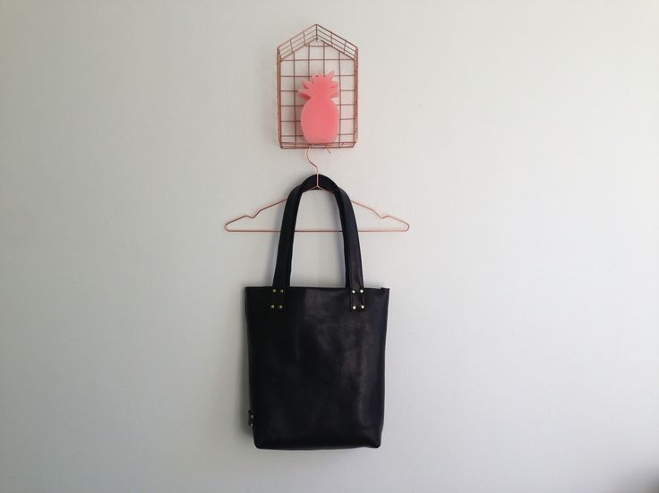 Black beauty! Leather bag, handmade, dutch design.
