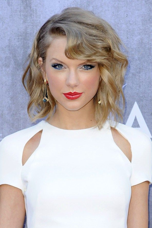 Taylor Swift Haircut & Make Up Ideas – Hair Style & Beauty Pictures (Glamour.com UK)