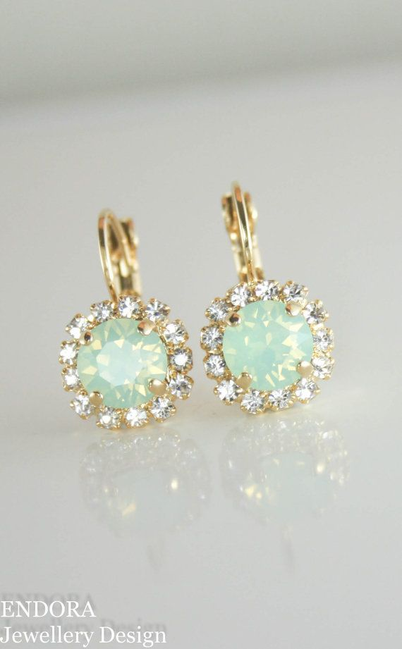 Swarovski mint opal oorbellen mint opal oorbellen crystal oorbellen, gouden oorbellen, mint bruidsmeisje oorbellen van ebben hout mint huwelijksjuwelen, mint bruiloft