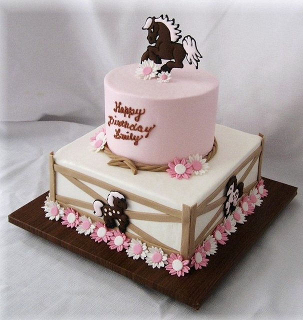 Ponies and Daisies Cake