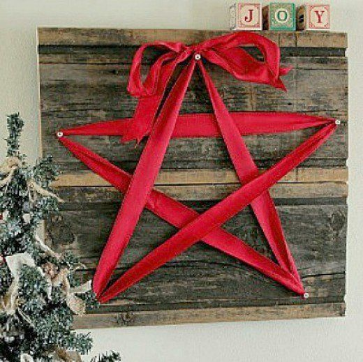 40 Rustic Christmas Craft Ideas Crafts Using Burlap Jute Rusty Tin Accents And Pine Cones Country Holiday Projects Included Orna
