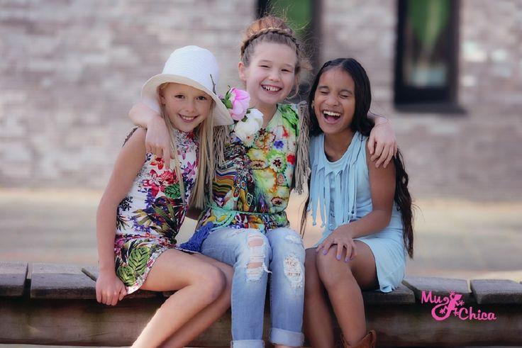 Mu-Chica is een prachtig meisjeslabel door Hollandse meiden ontworpen en geproduceerd!Muy Chica betekent mooi meisje in het spaans en dat is waar het label om draait. De kleding van Mu-Chica is uniek, exclusief en lekker eigenwijs.
