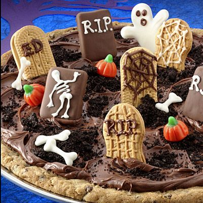 """Graveyard Cookie Pizza - recipe for """"pizza cookie dough"""" - non-bakers can substitute refrigerated dough, but this is a good recipe from Land O' LakesHalloween Parties, Cookies Pizza, Pizza Recipe, Halloween Recipe, Cookies Cake, Cookie Pizza, Graveyards Cookies, Land O' Lak, Halloween Cookies"""