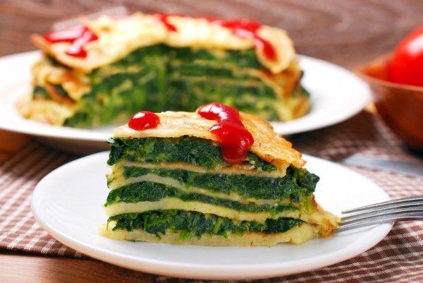 Блинный пирог со шпинатом, ссылка на рецепт - https://recase.org/blinnyj-pirog-so-shpinatom/  #Вегетарианскиерецепты #Овощи #блюдо #кухня #пища #рецепты #кулинария #еда #блюда #food #cook