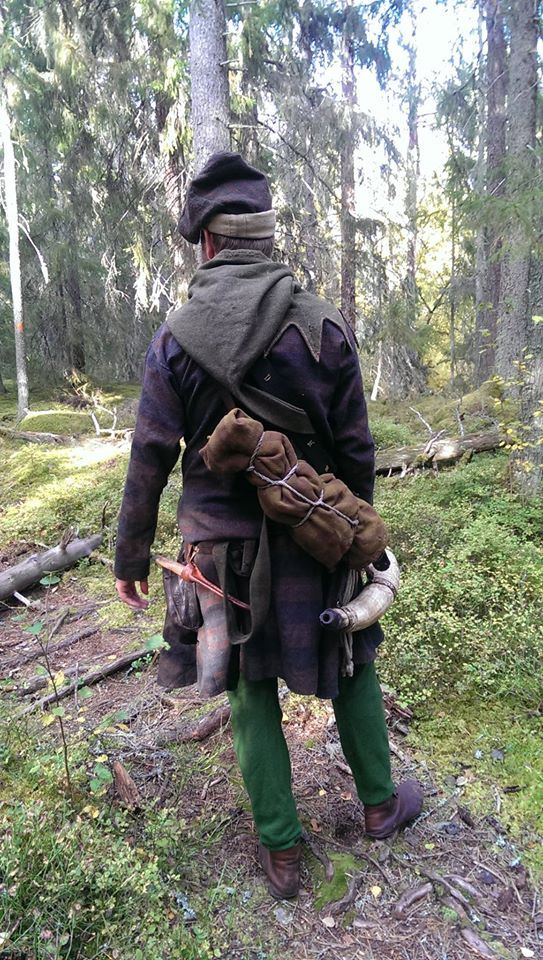 Blog: Exploring the Medieval Hunt. Swedish reenactors devoted to the 14th century medieval hunt - articles include authentic costume, tools, food, hunting implements etc.