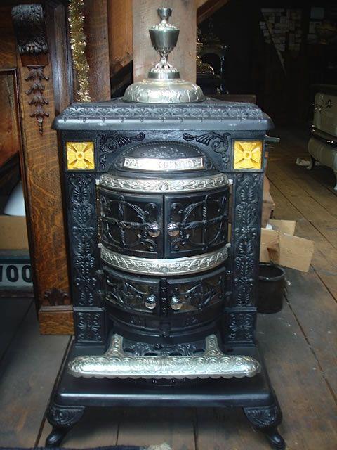 1890 Franklinite coal stove