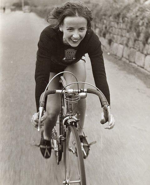 Eileen Sheridan, cycling icon, in 1954