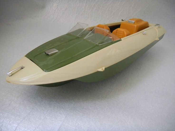 ULTRA RARE COX 0.49 THIMBLE DROME SEE BEE MODEL TETHER BOAT. BELIEVED TO BE c.1970