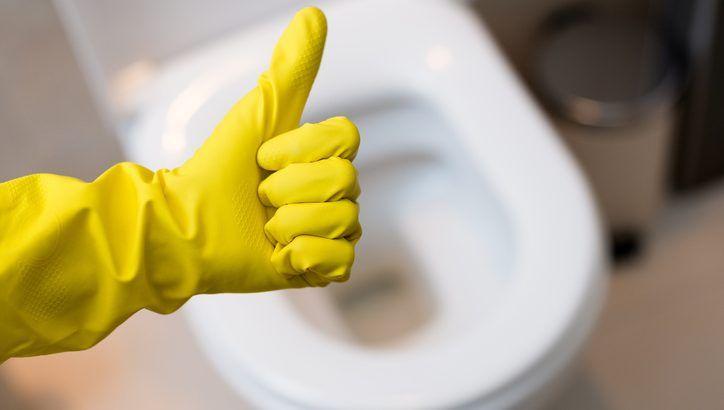 Comment décaper le fond de vos toilettes avec des produits naturelsnoté 3 - 465 votes Vos toilettes sont sales et pleins de tartre? Le fond est noir, rouillé? Les rebords sont jaunes ou couverts de calcaires? Découvrez notre astuce pour tout décaper! Comment faire? Videz une bouteille entière de vinaigre blanc dans vos toilettes. Ajoutez …