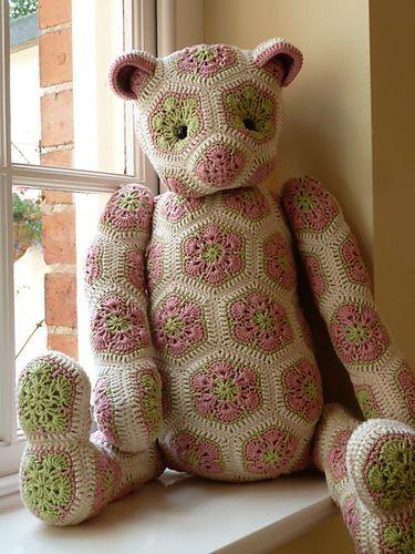 Lolo the african flower bear by Heidy