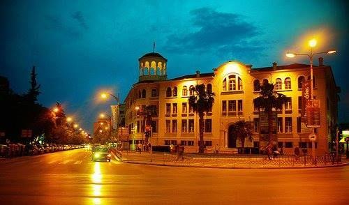 ΧΑΝ Θεσσαλονίκης - βαφή πρόσοψης με αυτοπλενόμενα χρώματα της γαλλικής εταιρίας Seigneurie (1997)