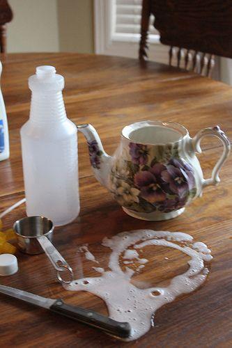 Homemade Tub & Tile Cleaner