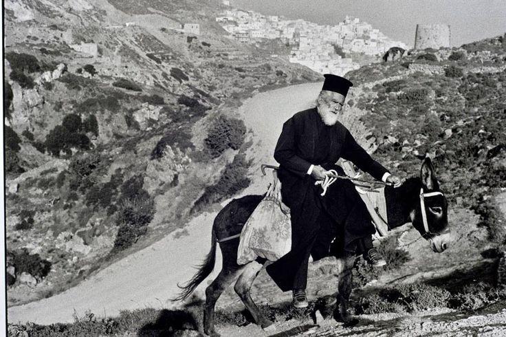Francois Le Diascorn .παπάς και ο γαιδαρος παρέα στην Κάρπαθο...