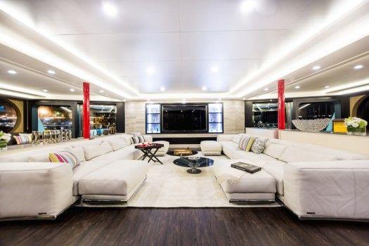 Beautiful super yacht: Saluzi