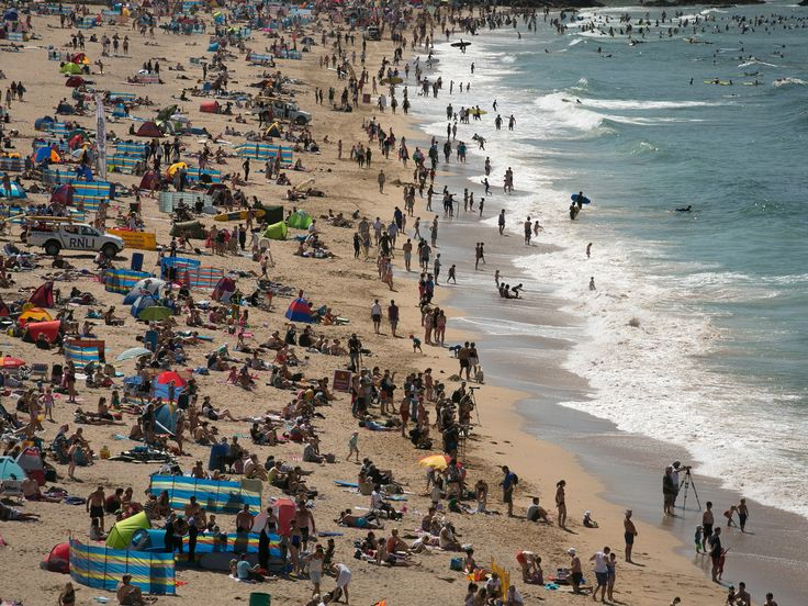 Families with school-age children could get cheaper holidays thanks to a high majority of headteachers planning to immediately use new powers to change term dates to allow off-peak travel.